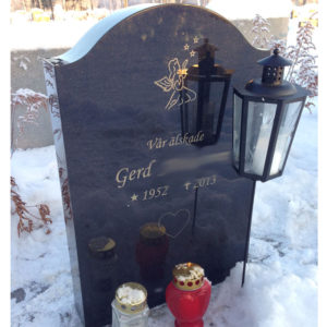 picture of installed peaceyard gravestone, model cora in deep night sky color