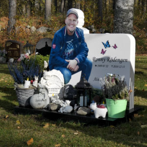 picture of installed custom peaceyard gravestone in glacier white material