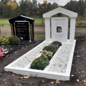 picture of installed peaceyard upright gravestone, Custom in White material with customer graphics